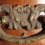 Serpentine brass cabinet pull